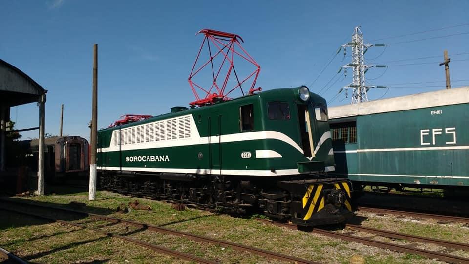 A locomotiva Westinghouse nº 2041, que foi restaurada por voluntários do movimento de preservação da Sorocabana (Divulgação)